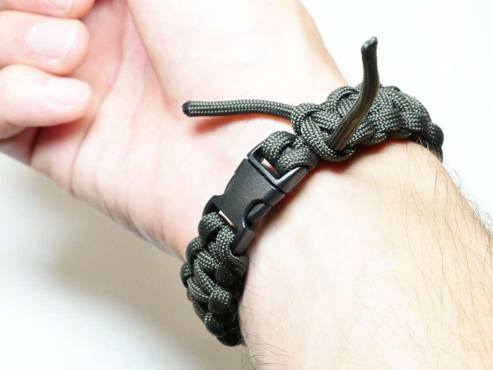 quantité limitée coupe classique boutique officielle Fabriquer un bracelet de survie - C'est bien d'etre bien