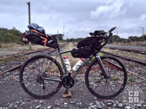 velo origine trail avec sacoches bikepacking