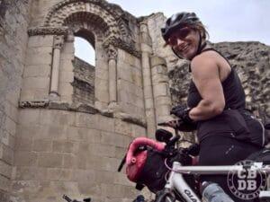 sortie bikepacking deux sevres eglise en ruine